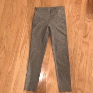 Outdoor Voices 3/4 warmup leggings